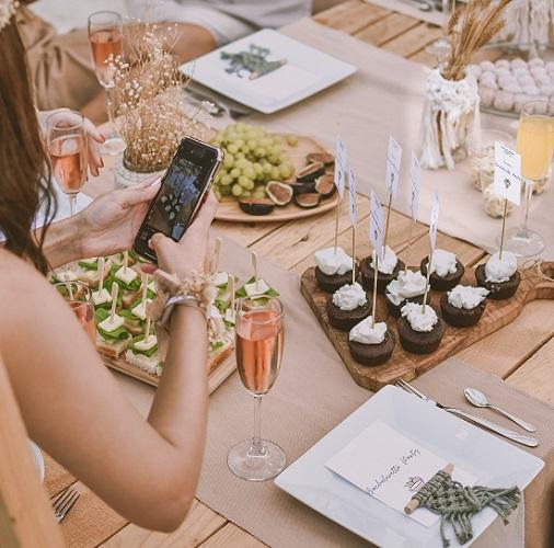 Vari tipi di influencers : food influencer